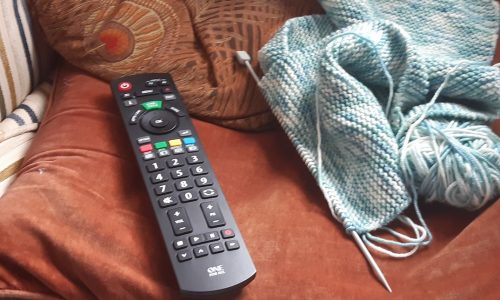 TV handset and knitting