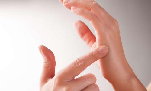 hands doing EFT